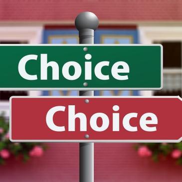 Gioia che deve scegliere tra laparotomia e laparoscopia